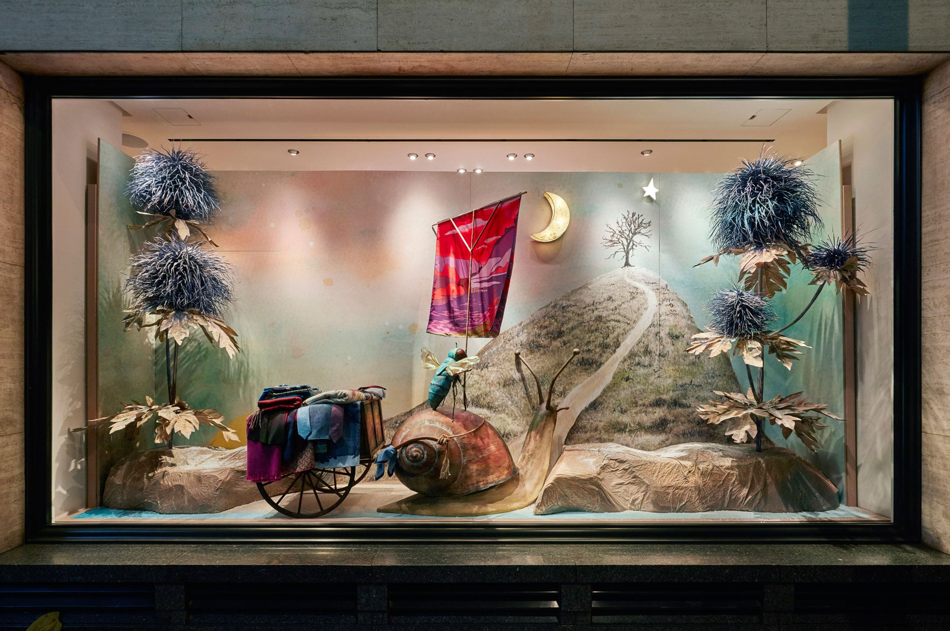 Commercial Photography alumna designs Hermès Christmas windows