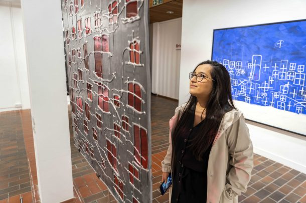 One of Britain's greatest contemporary artists exhibits at AUB